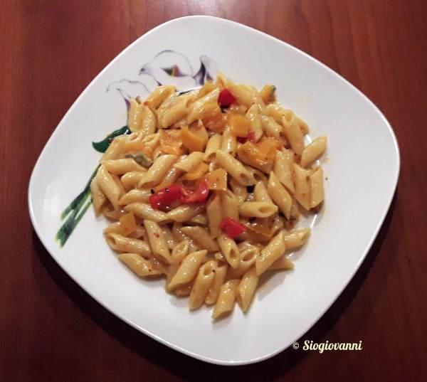 a gorgonzola e peperoni
