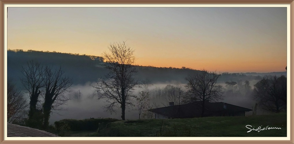 un'alba in pieno autunno